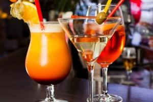 """Алкогольный коктейль на основе сиропа """"Гренадин"""""""